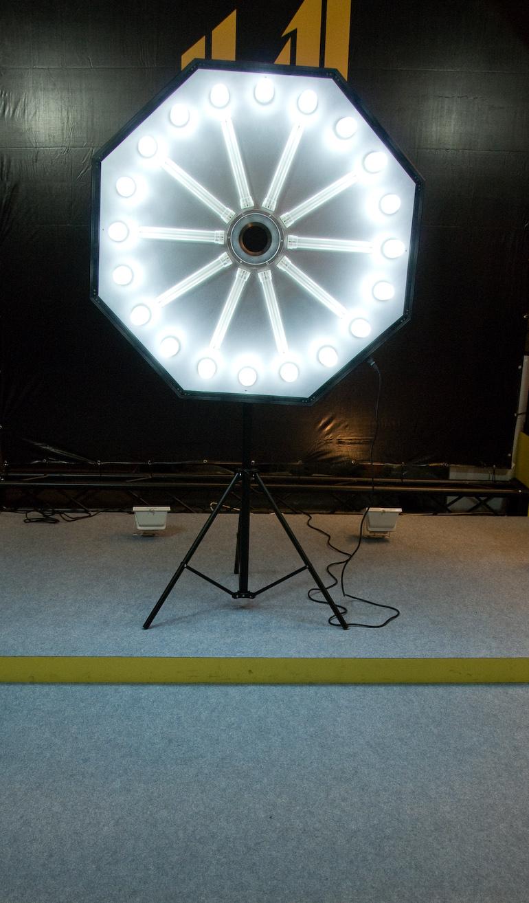 Großes Ringlicht auf der Photokina 2008