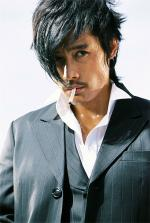 Lee Byung-hun in The Good, The Bad, The Weird