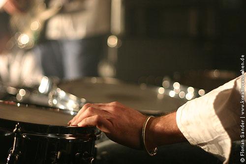 Manual Drums